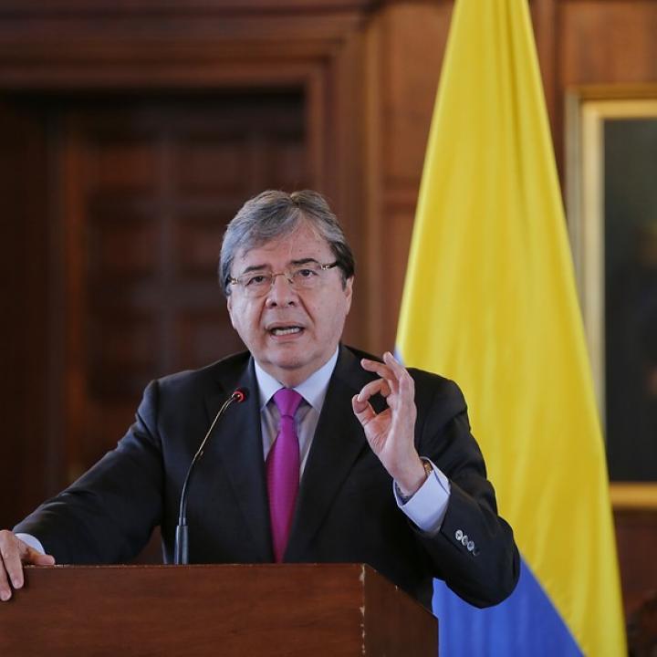 MinDefensa Carlos Holmes Trujillo