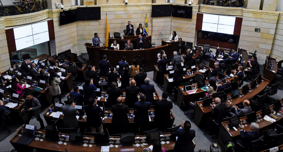 Congreso le pide a Duque decretar cuarentena obligatoria