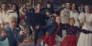 El nuevo lanzamiento de los Jonas Brothers 'What A Man Gotta Do'  en compañía de sus esposas