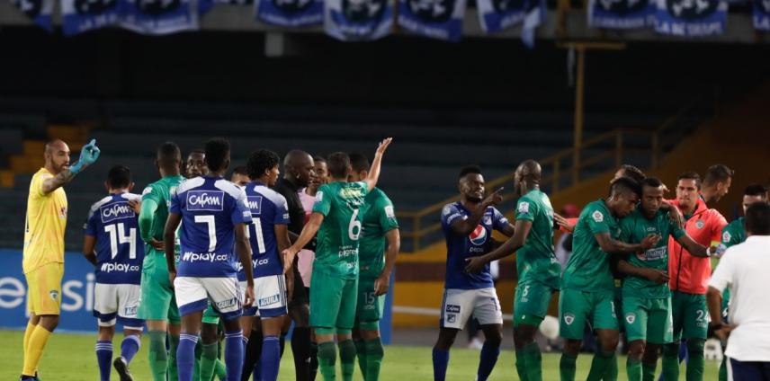 Un gol poco habitual generó polémica y confusión entre Millonarios y Equidad