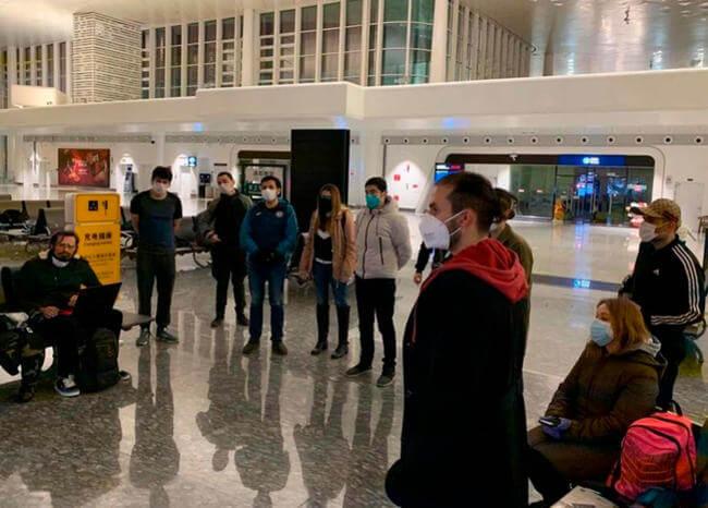Avión con colombianos ya despegó desde Wuhan
