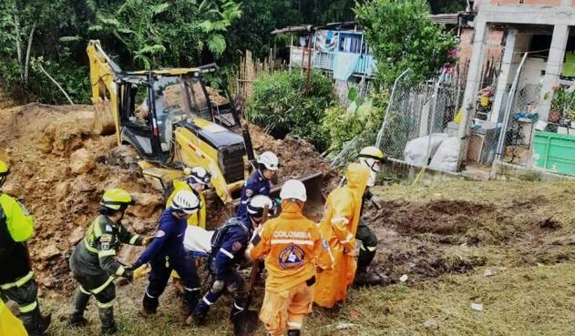 Reportan 5 muertos por derrumbe en Chinchiná