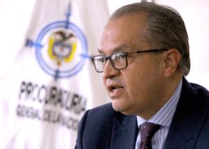 "Procurador Carillo responde al fiscal: ""no soy candidato"""
