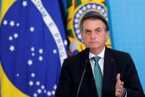 Presidente de Brasil dice que Greenpeace es basura