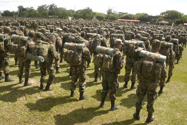 Servicio militar obligatorio en Colombia será de 12 meses
