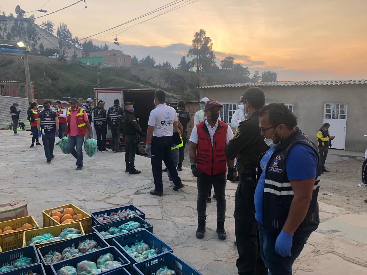 Habitantes de Soacha reciben mercados