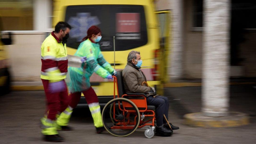 Los fallecidos en España continúan