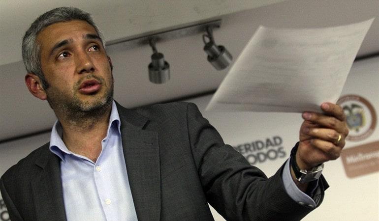Nicolás Estupiñán Movilidad Transmilenio