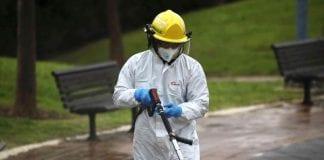 ¿Cómo evitar la tristeza durante la cuarentena por coronavirus? Foto: AP Newsroom