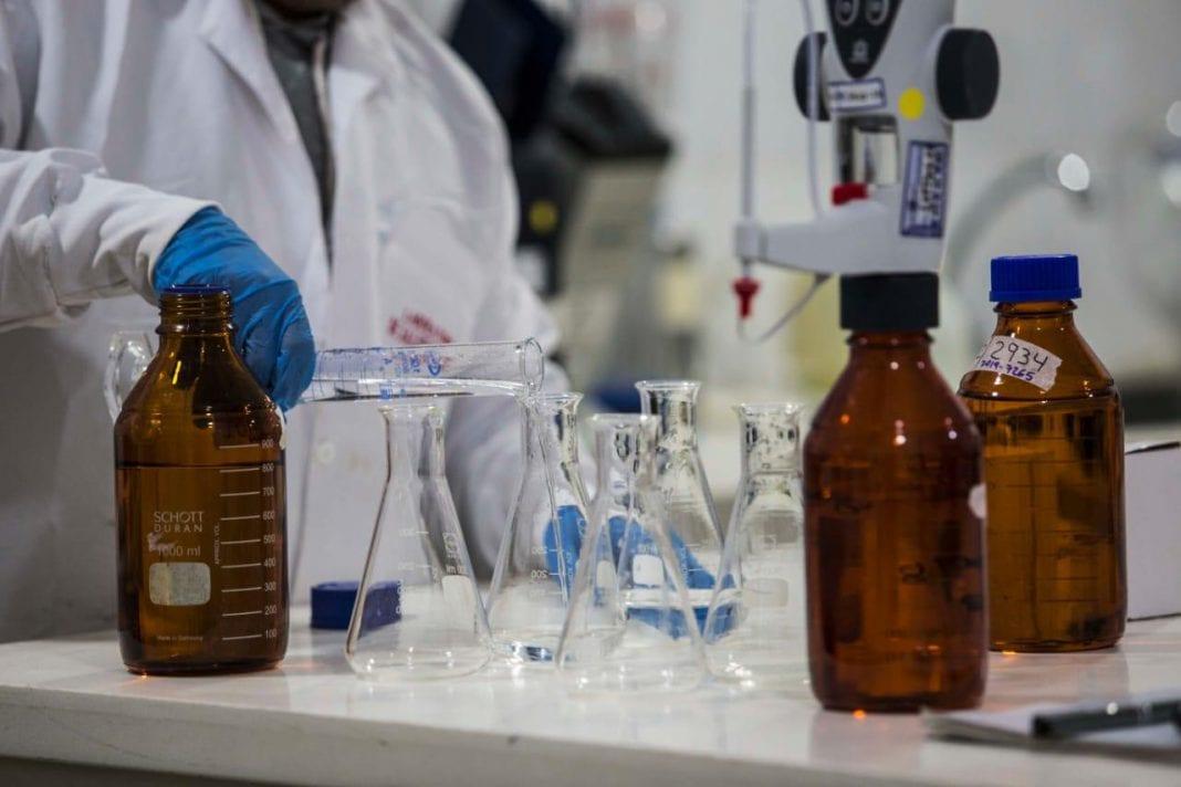 Hacen millonaria inversión en laboratorios del Atlántico