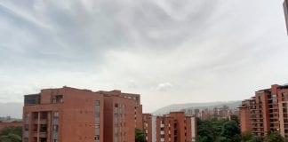Cielo brumoso Medellín