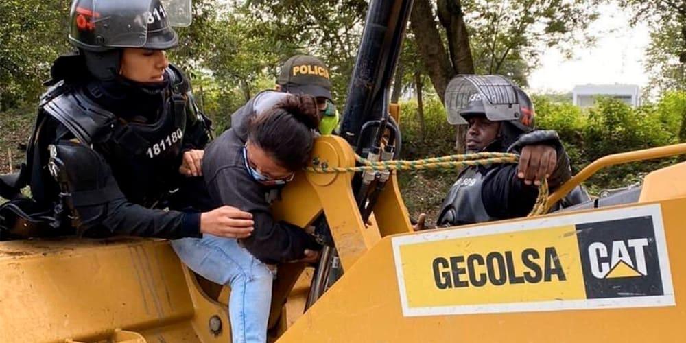 Piden condecorar a Ángel Zuñiga por oponerse a un desalojo