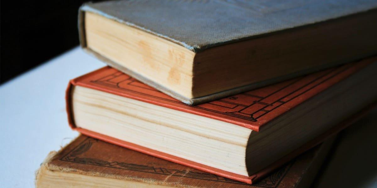 Tres obras literarias que surgieron durante el encierro de sus autores