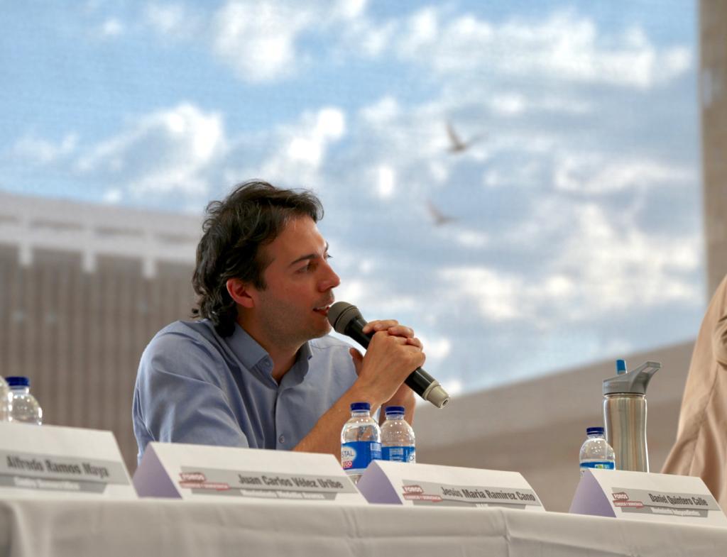 Daniel Quitero Calle fiesta