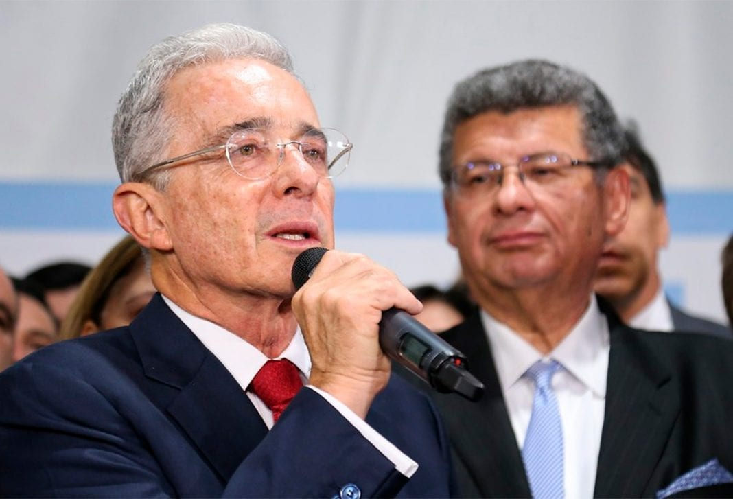 defensa Uribe
