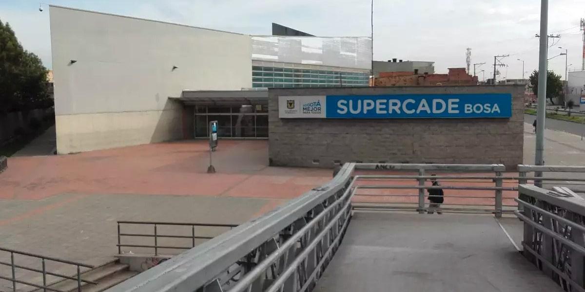 Si visitará un SuperCADE tenga en cuenta lo siguiente