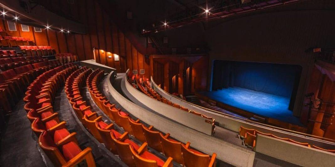 Agéndese con las 32 obras de teatro gratuitas durante 24 horas