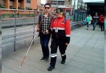 Transmilenio capacita 300 personas para interacción con usuarios con discapacidad visual