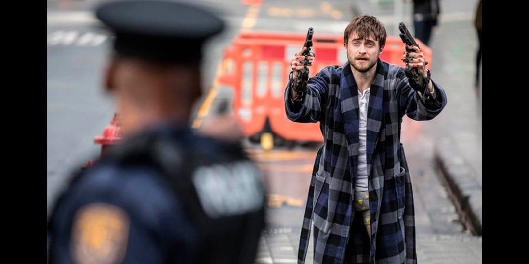 """""""Manos a las armas"""" la nueva película de Daniel Radcliffe"""