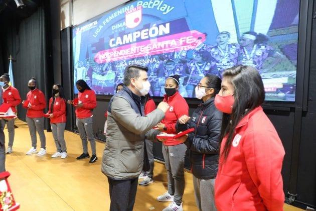 Cundinamarca entregó reconocimiento a las Leonas, campeonas 2020
