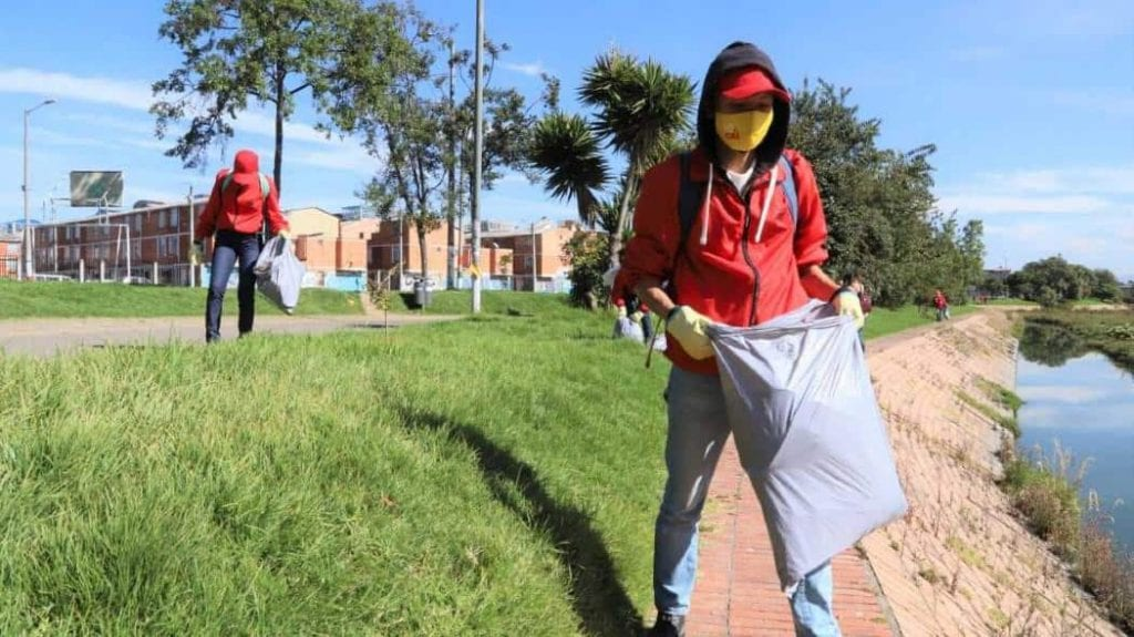 Así son las actividades de limpieza en los humedales de Bogotá