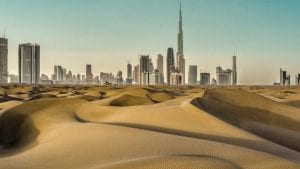 Emiratos Árabes busca hacer llover en su territorio con drones-Momento24