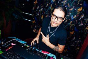 Dj Colombiano deslumbra con su música en el medio oriente