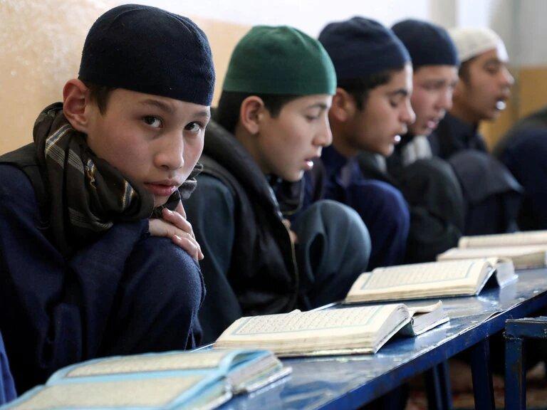 Solo los hombres pueden ir a la escuela en Afganistán